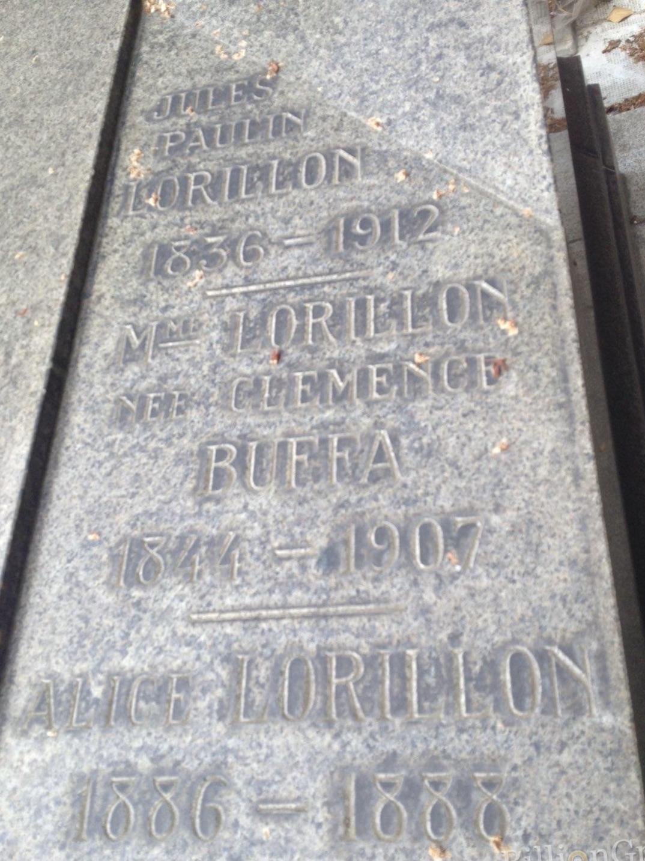 Tombe au cimetière de Passy