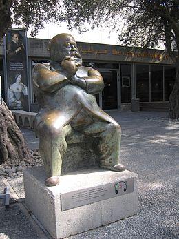 Widhopff statue